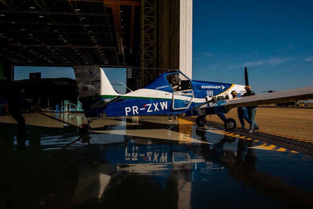 El avión eléctrico de Embraer comienza la campaña de pruebas de vuelo